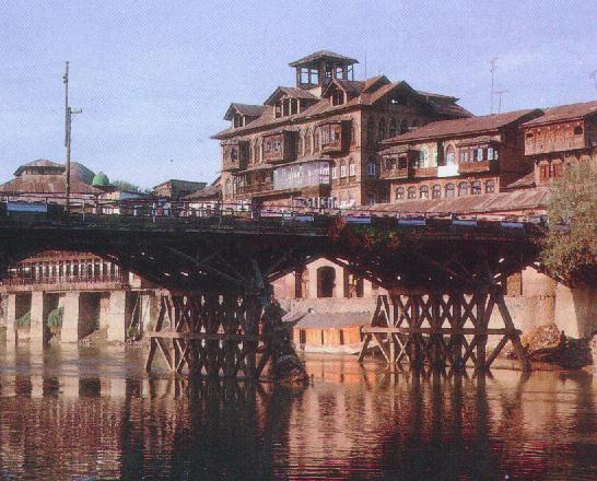One of the bridges that span the Jhelum in the old city